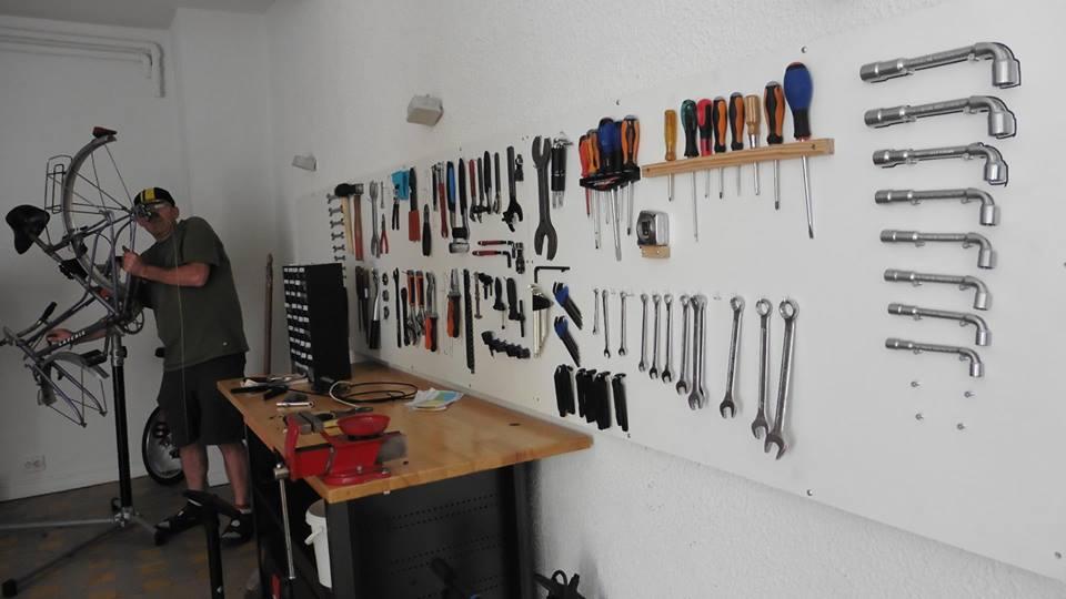 amenagement atelier mecanique beautiful amnagement magasin atelier garages abs agencement with. Black Bedroom Furniture Sets. Home Design Ideas